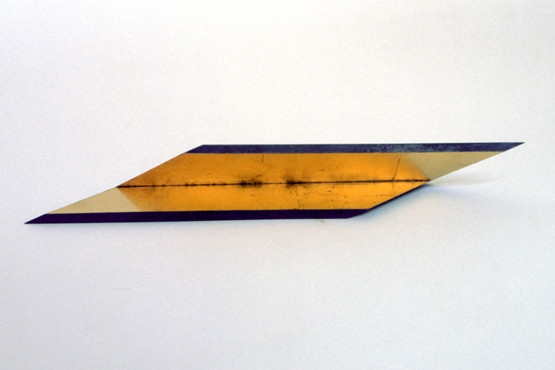 3 Object 1980 staal bladgoud 26 x 7 cm