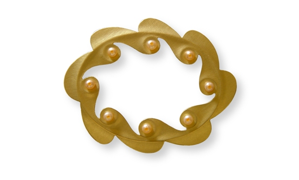 Crown Brooch 2 - 65x52mm 18kr gold freshwaterpearls